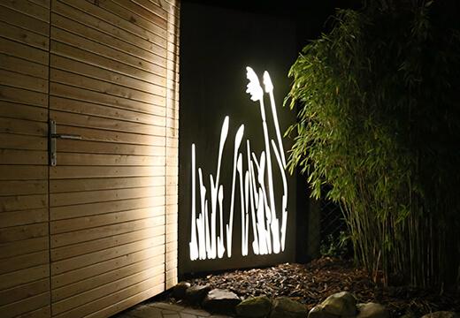Gartentür mit Designelement