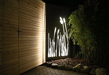 Designelement bei Nacht